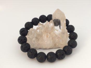 テクタイトは不安を取り除き心の弱さを強さに変える天然石