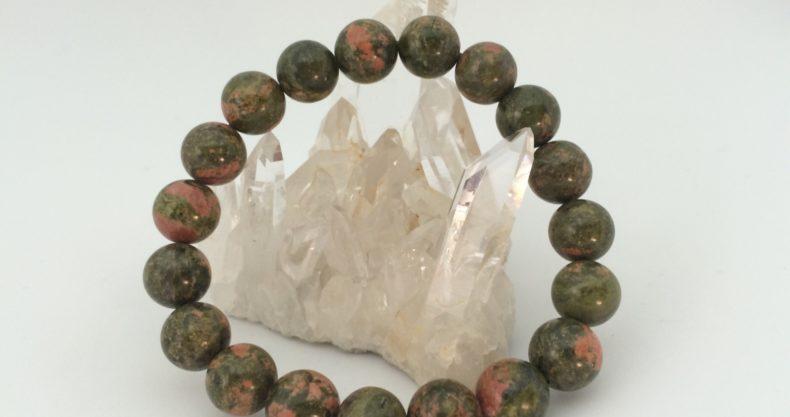 ユナカイトは心身のバランスを取り自然体でいられる天然石